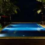 concrete pool vs fibreglass pool