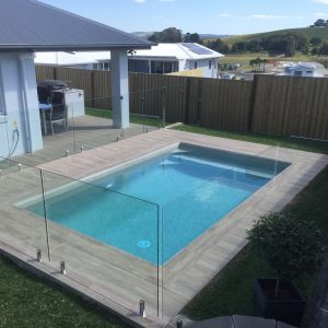 Lennox Heads swimming pool builder used wooden tiles for a unique pool design