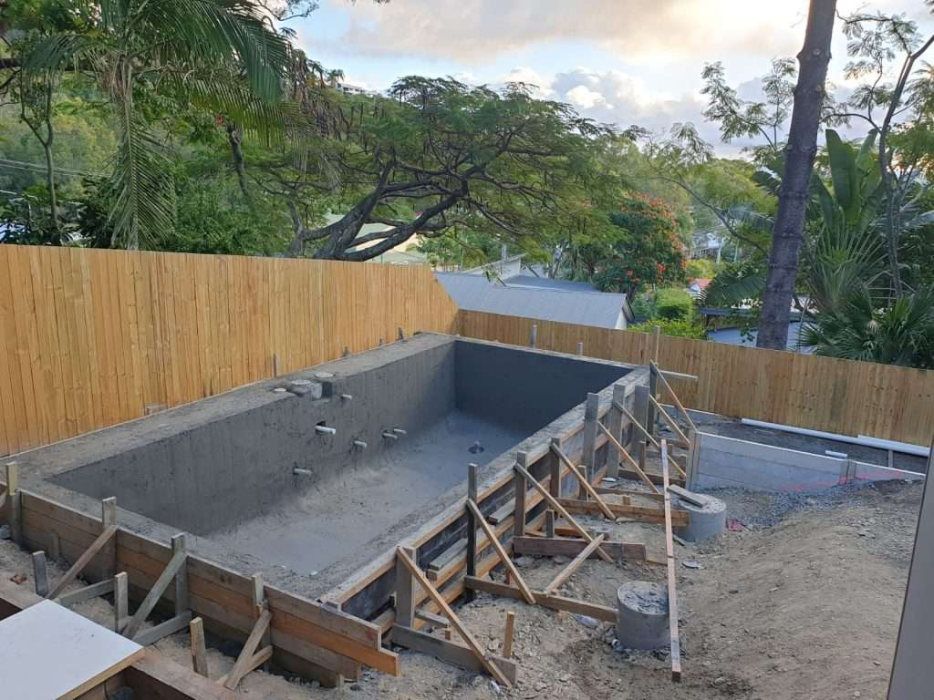 Gold Coast pool builders building an above ground concrete pool