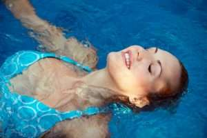 Swimming in a fresh water mineral pool